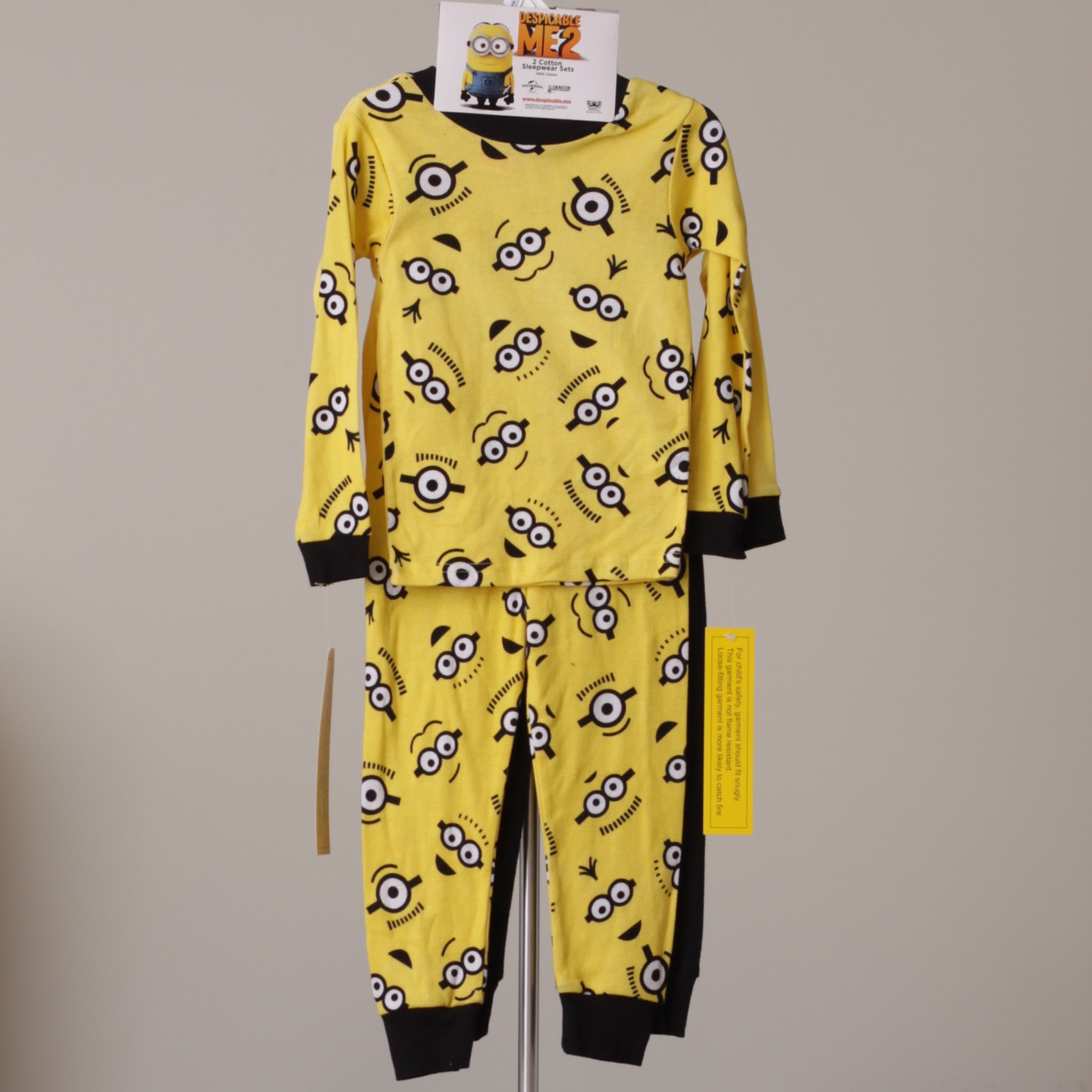 MINIONS DESPICABLE ME TODDLER GIRLS FLEECE PAJAMA PJs SET HEARTS NWT $30 SIZE 4T